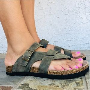 Cliff By White Mountain   Sandals